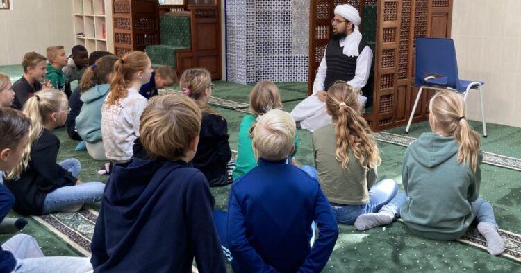 Op bezoek in de moskee